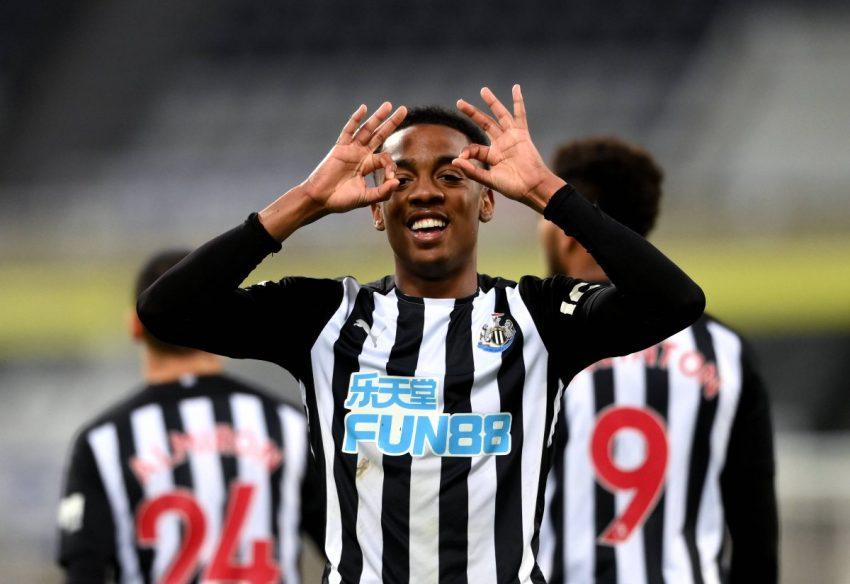 Newcastle United disuruh belajar dari Leeds dalam pengejaran Willock