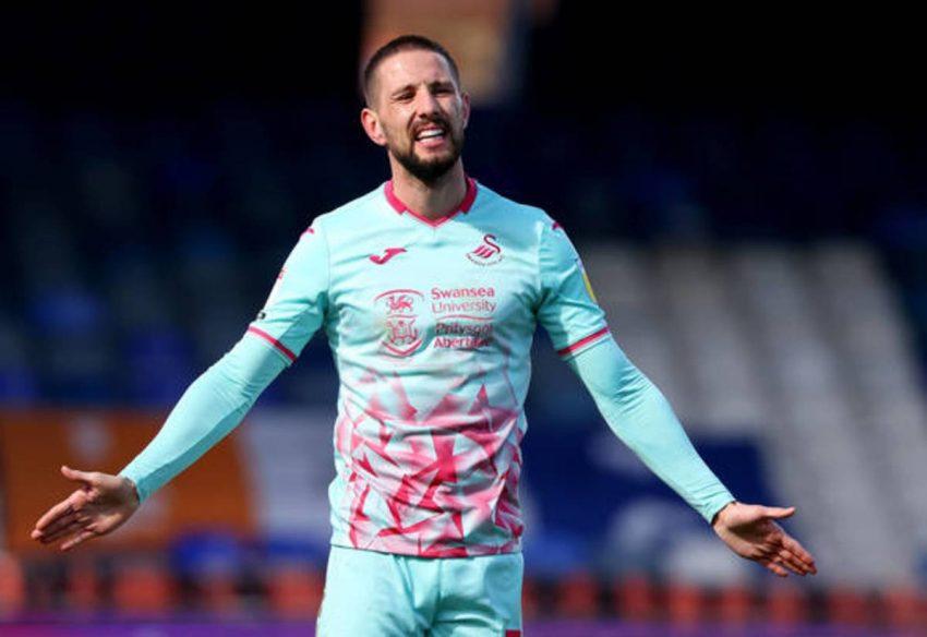 Aston Villa disuruh membiarkan Hourihane pergi sebagai pengganti Lundstram