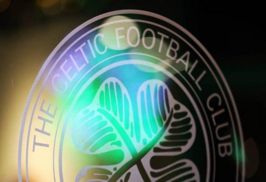 Celtic menyelesaikan penandatanganan Lawal hari ini saat ia mendarat di Glasgow